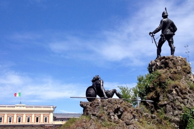 Storie di pietra, di bronzo e d'acqua a Parma