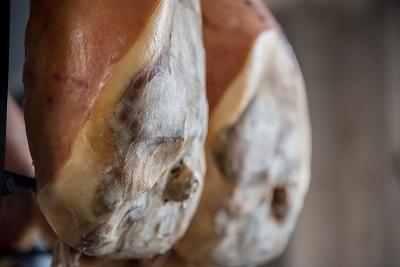 Prosciutto di Parma: come si crea una DOP