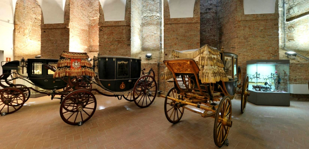 I Musei civici: tra antichi fegati e carrozze